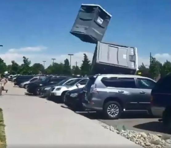 Flying+porta+potty (Small)