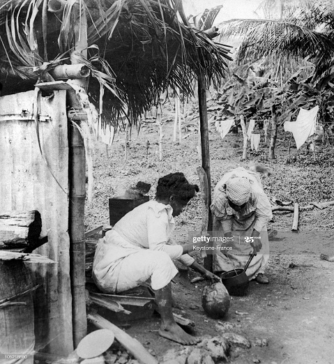 JAMAICA - JANUARY 01:  Cooking In Jamaica In 1930  (Photo by Keystone-France/Gamma-Keystone via Getty Images)